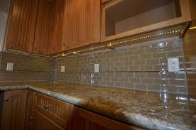 small kitchen cabinet lighting