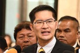 """มงคลกิตติ์"""" จี้ นายกฯ เสียสละ เพื่อประเทศไทย - มติชนสุดสัปดาห์"""