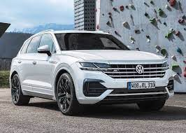 2020 Vw Touareg Redesign Price Release Date Vw Usa Soon We Are Going To See A New Touareg The 2020 Vw Touareg I Vw Toureg Volkswagen Touareg Vw Usa