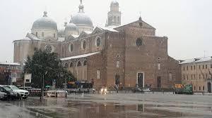 Meteo: neve a Milano e scuole chiuse a Roma e Napoli per il vento -  NewswireNow