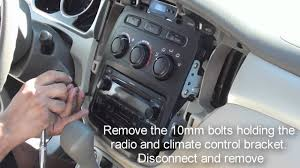 remove stereo highlander 2001 2007 youtube 2002 toyota highlander stereo wiring diagram at 03 Toyota Highlander Stereo Wire Harness With Jbl Amp
