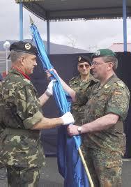 El jefe de la Brigada Multinacional Suroeste, a la que pertenece la Agrupación española, general Richard Rossmanith, y el coronel Alvaro de la Peña Cuesta, ... - KSPAGTXIII_2_gr