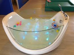 nice bath tub for infant less than a year old