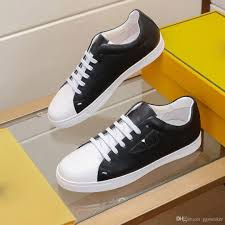 Designer Fashion Sneakers Luxury 2020 Men Shoes Designer Fashion Sneakers Superstars Suede Leather Flat Peas Shoes Classic Casual Shoes High Quality Basketball Shoes Mens Shoes