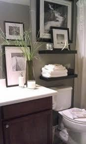 Bathroom shelves above toilet 3