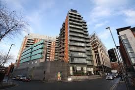 LS1 2 Bed Flat, 2 Double Bedrooms, 2 Bathrooms, Leeds Train Station,