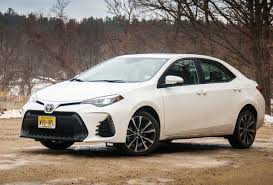 Not Fooling Anyone -- 2018 Toyota Corolla SE 6MT Review