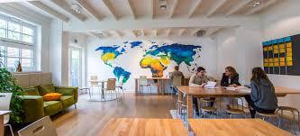 Een Reis Om De Wereld Met Ricardo Bouman Werk Aan De Muur Magazine