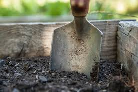 How to Make Your Own Potting Soil   The Old Farmer\u0027s Almanac