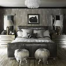 thedecorista: .monochromatic is so very in fashion, especially in all grey.