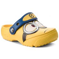 Slides <b>CROCS</b> - <b>Crocsfunlab Minions Clog</b> 204113 Yellow - Clogs ...