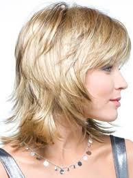 um layered hairstyle straight hair