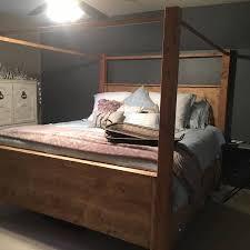 Farmhouse Canopy bed - King - RYOBI Nation Projects