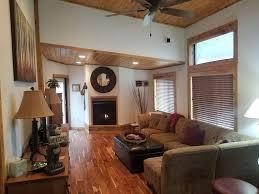 Geräumige Und Gemütliche 800 M² 1 Schlafzimmer Dachboden