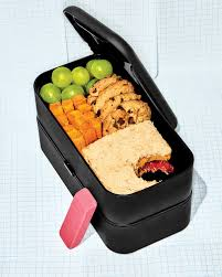 An Extra-Snug Bento Box That Happens to Be Dishwasher- and Microwave-Safe The Best Boxes for Children Adults 2018