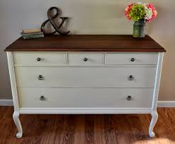 Image of: How to Paint a Laminate Dresser