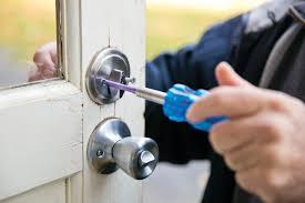 Locksmiths Say Deadbolt Key to Home Security | Angie\u0027s List