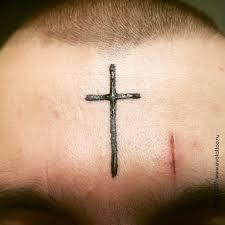 временная религиозная тату крест рисунок сделан гипоаллергенной
