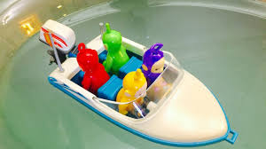 motor boat ride in the bathtub with teletubbies toys