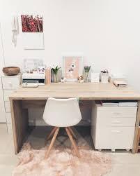 office desk designer. Owner: Reni Florentina, Graphic Designer. Office Desk Designer