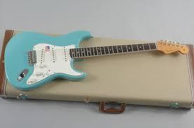 fender eric johnson rw strat specs compare to maple original fender eric johnson rw strat specs compare to maple original stratocaster guitar culture stratoblogster
