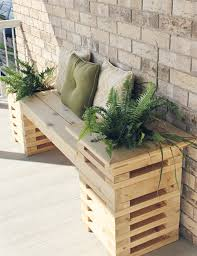 by alternating the boards on the planter boxes we were able to create a more modern and airy looking bench