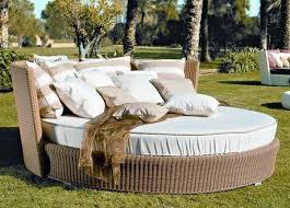 Elegant patio furniture Aqua Outdoor Outdoor Daybed Elegant Patio Furniture For Pleasant Relax Kingsleybate Elegant Outdoor Furniture Outdoor Daybed Elegant Patio Furniture For Pleasant Relax