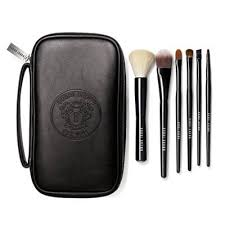 <b>Classic Brush</b> Collection - <b>Bobbi Brown</b> - Beauty Club Community