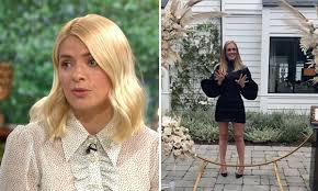 Born 10 february 1981) is an english television presenter, model and author. Holly Willoughby Reveals Why Adele S Weight Loss Is A Sore Subject Hello