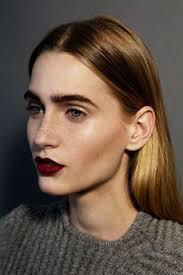 the dark lipstick makeup look