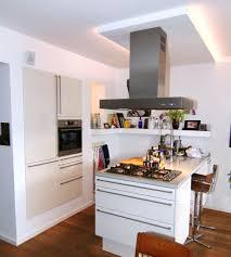 Kleine Küche Mit Kücheninsel Stumm Geschaltet Auf Moderne Deko