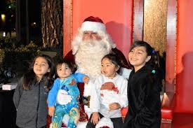 Fontana Tree Lighting Tree Lighting Ceremony Kicks Off Holiday Season In Fontana