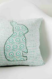 easy pillow designs. cute and easy diy pillow for kids | www.diyprojects.com/17- designs