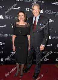 Nancy Pelosi Paul Pelosi Nancy Pelosi left Redaktionelles Stockfoto –  Stockbild
