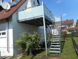 Eine sehr interessante treppenvariante ist die kombination zwischen holz und stahl im treppenbau. Hermann Gotz Metallbau