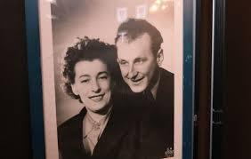 bourvil et sa femme jeanne dr collection personnelle quand il parle de son père dominique raimbourg évoque un homme qui avait le chic pour distinguer