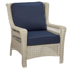 hampton bay park meadows off white stationary wicker outdoor lounge chair with midnight cushion