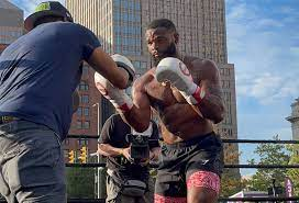 Tyron Woodley shredded at open workouts ...