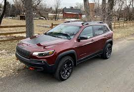 There S Lots To Like About The 2020 Jeep Cherokee Trailhawk Elite 4x4 It S A Comfortable Suv But The Cherokee Trailhawk Jeep Cherokee Trailhawk Jeep Cherokee