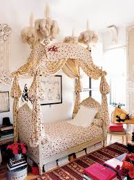 A Visual History of Canopy Beds - Vogue