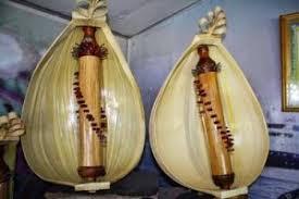 Adapun contoh alat musik petik alat musik pukul adalah alat musik yang dimainkan dengan cara di pukul. 15 Macam Macam Alat Musik Petik Modern Dan Tradisional Ilmuseni Com