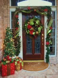 how to hang garland around front doorHow To Hang Garland Around Front Door  Round Designs