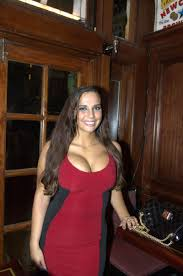 sydney leathers former ting partner of anthony weiner attempts to crash his election night party by mara