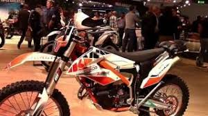 2018 ktm vs husqvarna.  2018 2018 ktm freeride 250 se special lookaround le moto around the world with ktm vs husqvarna