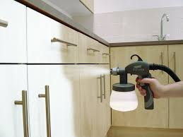 spraying kitchen cabinets with earlex paint sprayer