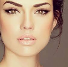 striking and y cat eye makeup ideas for a bride