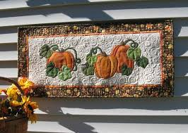 Celebrate Autumn With 7 Pumpkin Quilt Patterns & Pumpkin wall hanging quilt Adamdwight.com