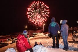 uaf photo hundreds of fairbanks munity members enjo the fairbanks curling lions 23rd sparktacular on new