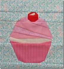 I seriously LOVE this!! Sure to give you sweet dreams =) | This ... & Alice In Wonderland tea party cupcake Adamdwight.com