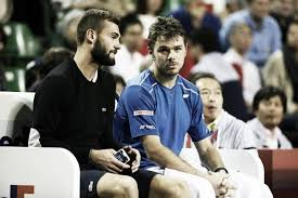The former companion of sh ym, which still does not seem to be recovering in a couple relationship with another girlfriend, has posted a selfie of him on the 6th of may, on which we can see that she is now well supplied ! Benoit Paire Answers Stan Wawrinka Personal Questions On Instagram Live